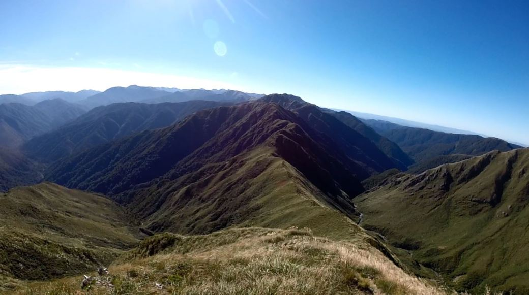 The Tararua Peaks Southern Main Range (SMR) | Great Walk Adventures